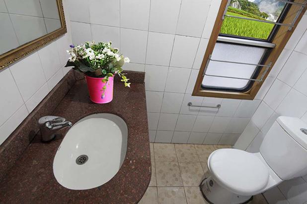 Orient Express Train Sapa Toilet